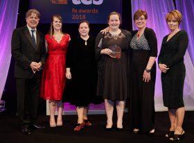 Alan Davies presents award to Foxes Academy