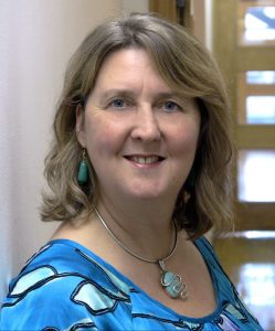 Helen Milner headshot